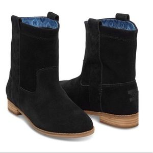 NWT TOMS Laurel Black suede pull on boots size 9